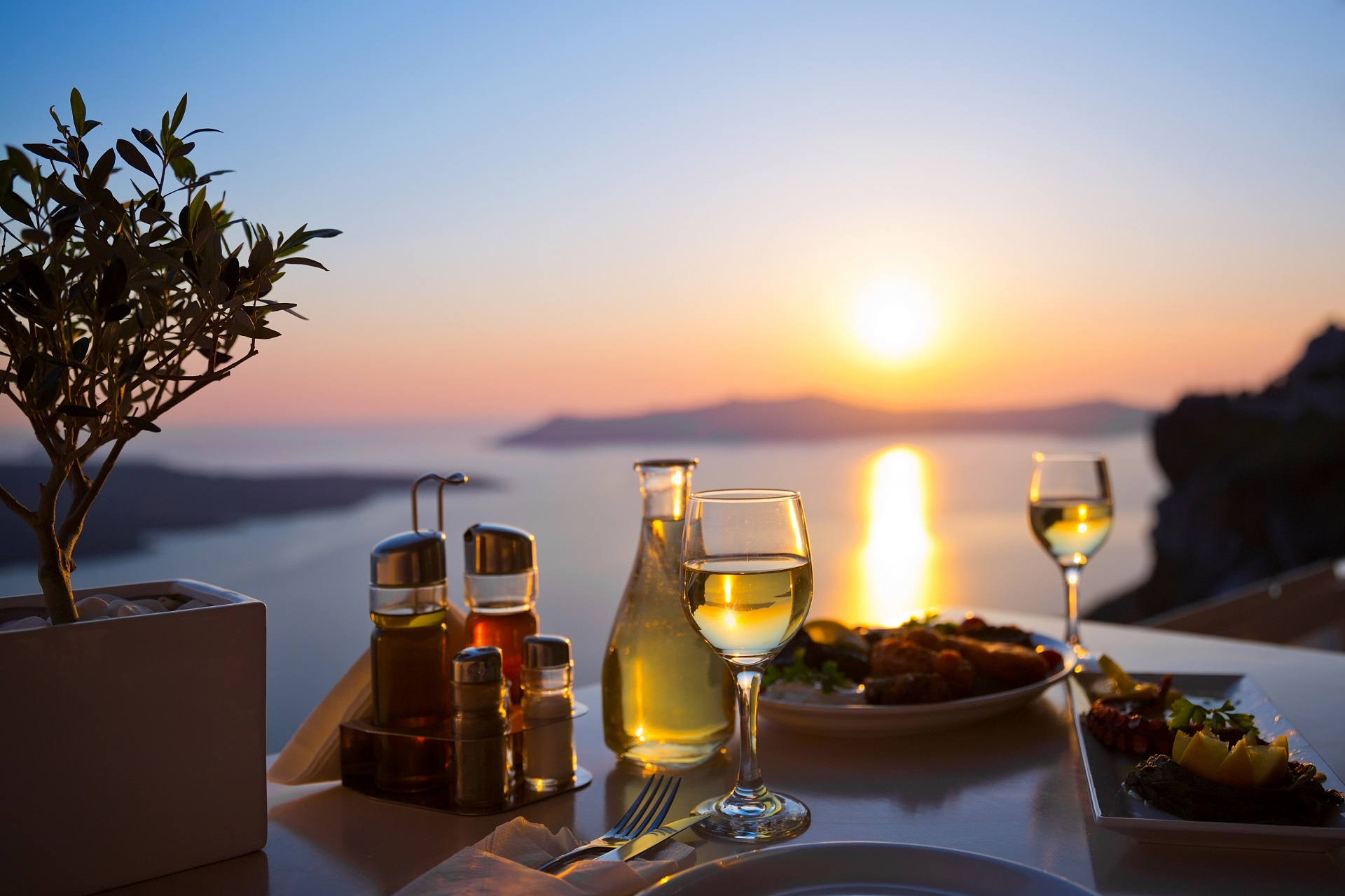 Dining in Santorini
