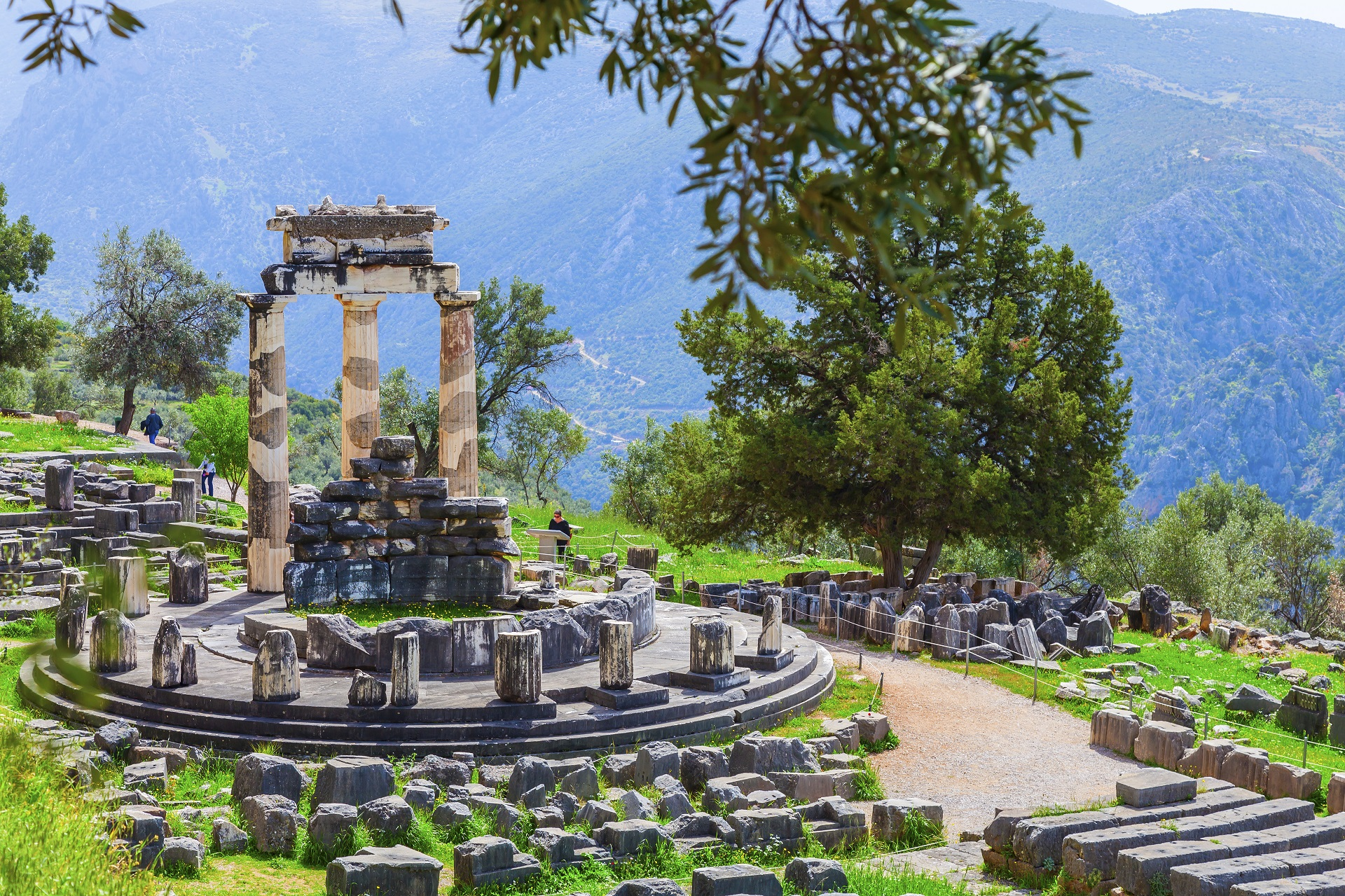 Delphi - Explore Greece - 002