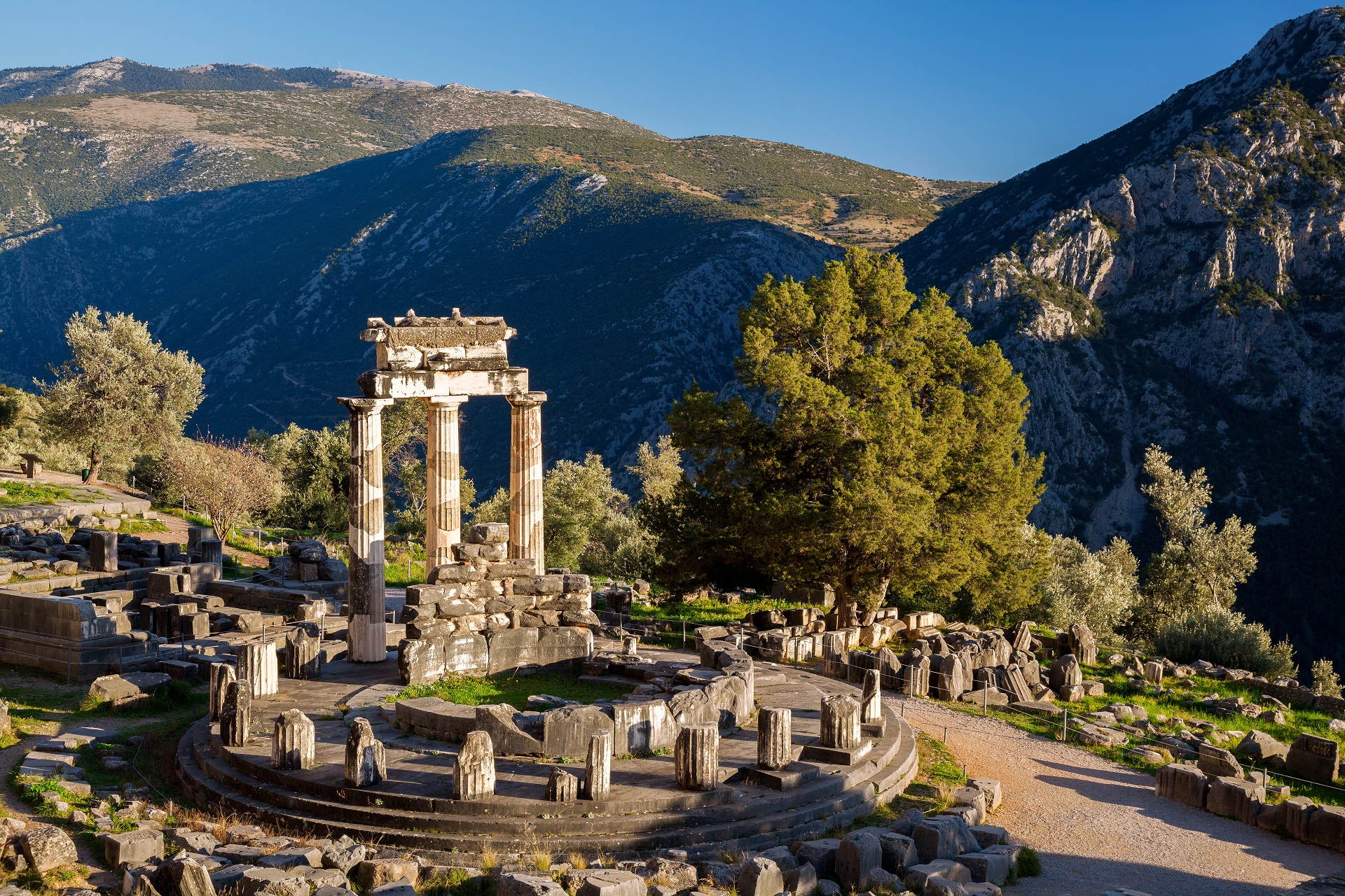 Delphi - Explore Greece - 005