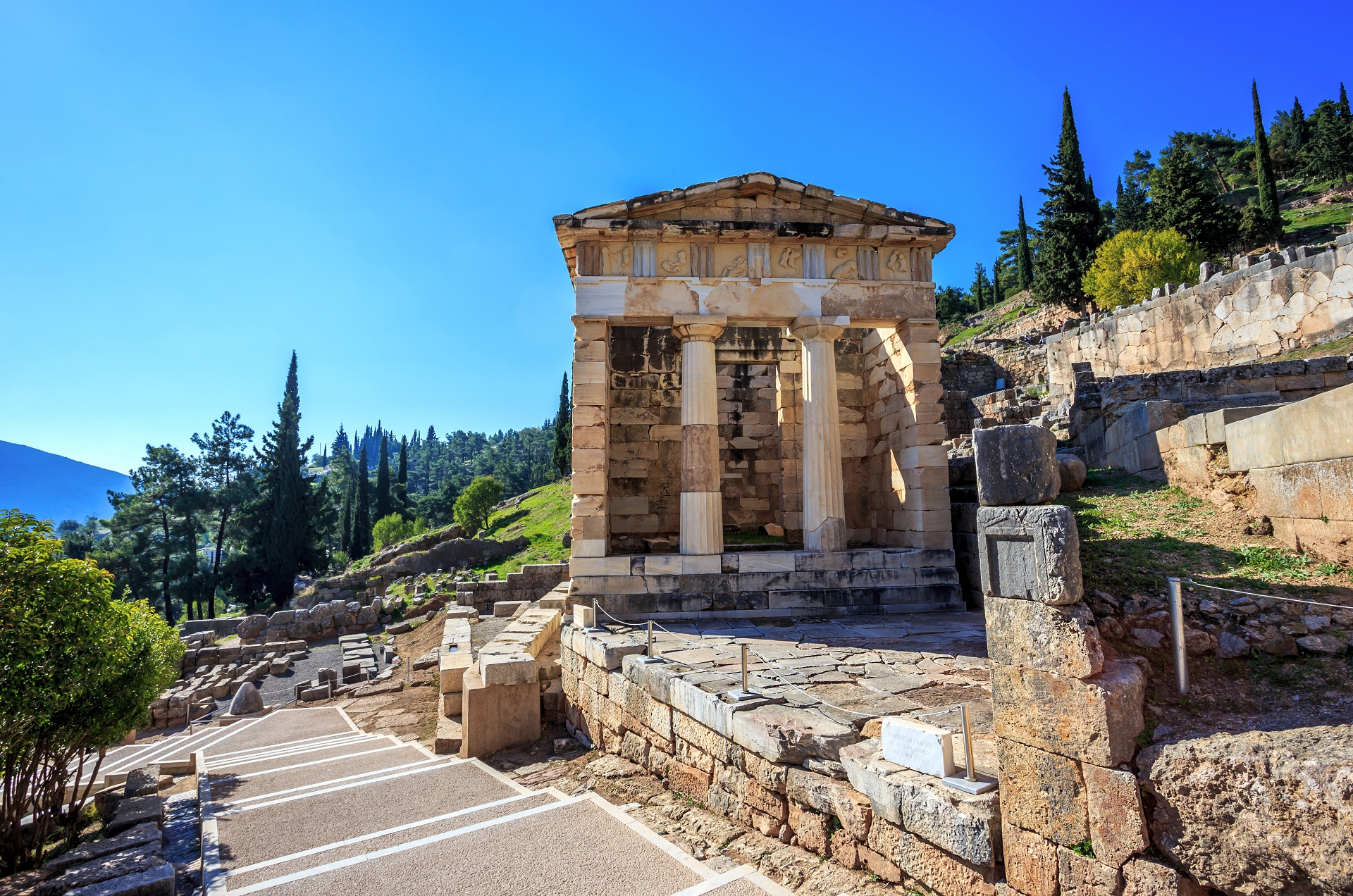 Delphi - Explore Greece - 009